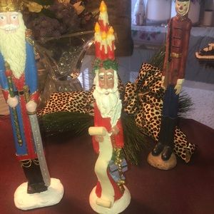 Holiday - 5 Piece Santa's and a Soldier🎄🎄🎄